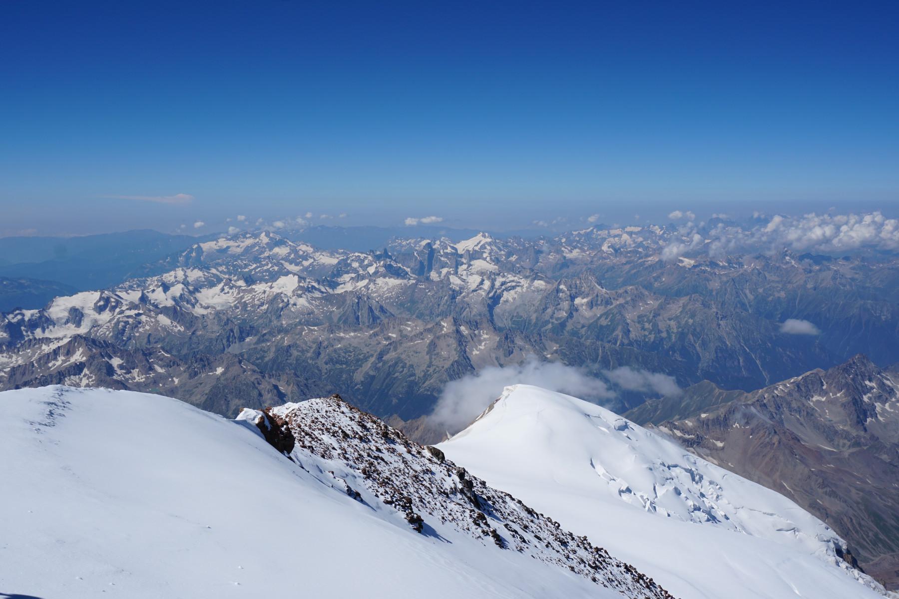 Вид на Кавказские горы